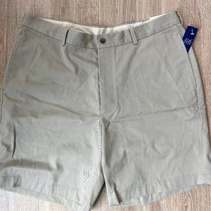 Brand New Brooks Brothers khaki shorts W38